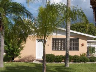 Becker's Beach Bungalow! - Anna Maria vacation rentals