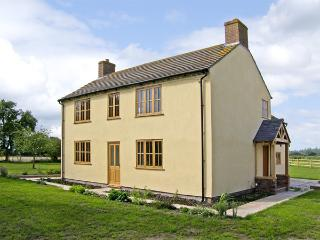 TOP HOUSE, pet friendly, country holiday cottage, with a garden in Northwood, Ref 4267 - Bronygarth vacation rentals