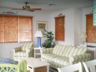 5004 Hawks Cay 3 BR / 3 BA  Private Pool Duck Key - Duck Key vacation rentals