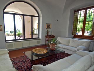 Villa Da Vinci for 8 - San Baronto vacation rentals