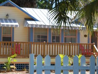 Historic 1/1 cottage with Old Florida charm - Nokomis vacation rentals