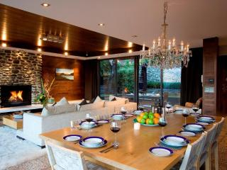 Forty Two - Luxury House in Central Queenstown - South Island vacation rentals