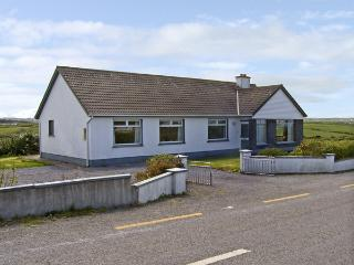 GOODLANDS COTTAGE, pet friendly, with a garden in Miltown Malbay, County Clare, Ref 4023 - County Clare vacation rentals