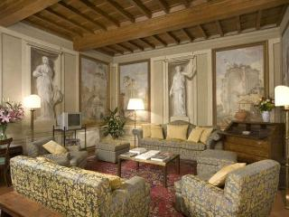 Palazzo Antellesi - Apt. DONATELLO - Florence vacation rentals