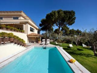 SEA VIEW VILLA WITH PRIVATE POOL IN SORRENTO - Piano di Sorrento vacation rentals