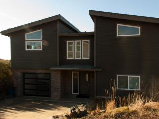 Crescent Vue, a New, Contemporary Beach home! - Oceanside vacation rentals