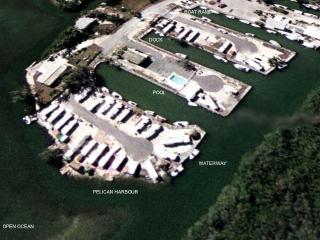 PELICAN HARBOUR -Ocean Front, Dock & Private Beach - Key Largo vacation rentals