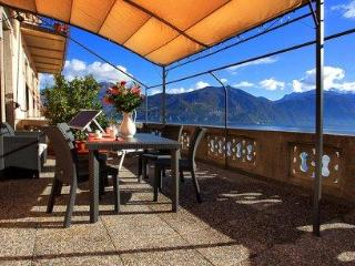 Menaggio Veccia Lake Home (no car required) - Menaggio vacation rentals