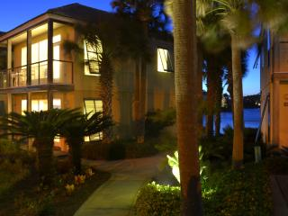 50 Steps to Beach - 2 or 4 Bedroom Villa Weekly - Destin vacation rentals