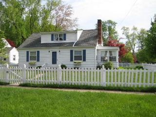 LAKE ERIE 4Bedroom House by CEDAR POINT Sleeps 14 - Huron vacation rentals