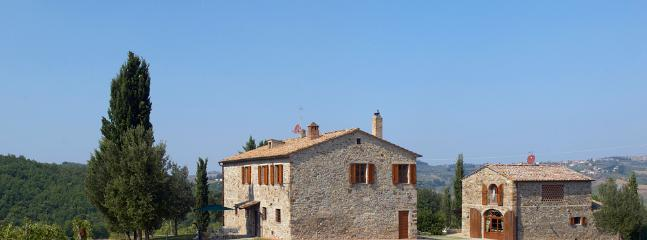 Chianti Farmhouse on a Wine Estate - Casa del Fieno - Image 1 - Barberino Val d'Elsa - rentals