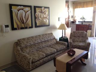 Luxuriously-Finished Aircond Apt in St.Pauls Bay - Saint Paul's Bay vacation rentals