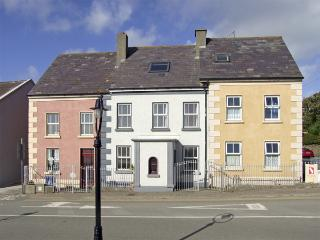 STRAND ROAD, pet friendly in Duncannon, County Wexford, Ref 4356 - Foulksmills vacation rentals