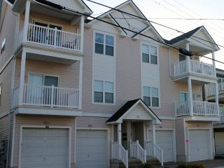 Clean Condo, Block to Beach, Boardwalk, Fireworks - New Jersey vacation rentals