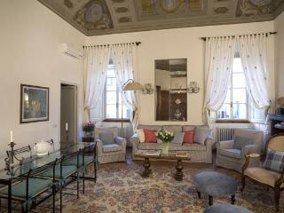 Palazzo Antellesi - Apt. BENOZZO - Florence vacation rentals