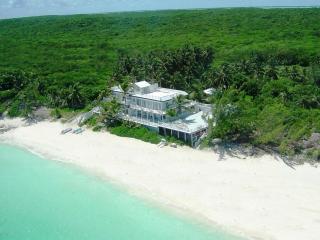 CELEBRITY BEACHFRONT VILLA - 7BDRM - BOAT INCLUDED - Great Exuma vacation rentals