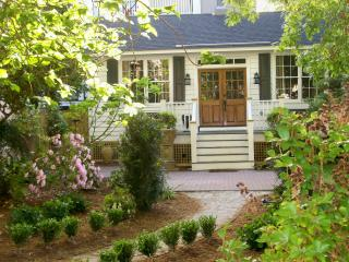 The Cottage at 9 Limehouse Street - Charleston vacation rentals