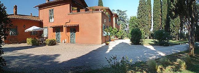 Casa Romana Estate Large villa for rent in Rome - Image 1 - Rome - rentals