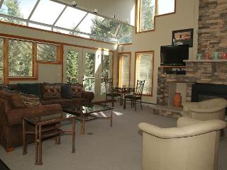 Remodeled Ski in Ski out two bedroom at the full service Iron Horse Resort. - Winter Park vacation rentals