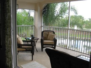 Majestic Palms 2 bdrm Carriage Home with Loft - Fort Myers vacation rentals