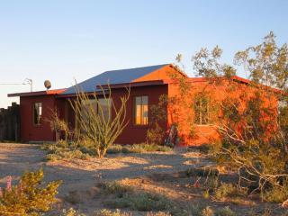 TODOS SANTOS - Joshua Desert Retreats - Joshua Tree vacation rentals