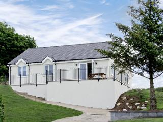 HEN FELIN UCHAF, pet friendly, with a garden in Red Wharf Bay, Ref 3939 - Island of Anglesey vacation rentals