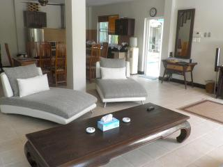 Spacious 4 Bedroom Private Pool Villa with Garden - Rawai vacation rentals