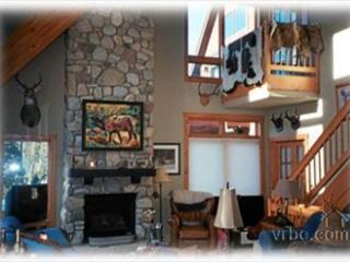4 Bedroom 3 Bath Luxury Trademark Town Home only 1/4 mile from the slopes - Winter Park vacation rentals