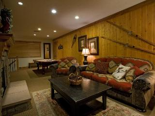 Views!!  Luxury 3BD-3BA W/ Hot Tub and Pool Table! - Utah Ski Country vacation rentals