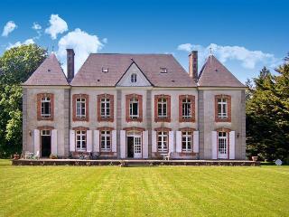 Le Castelet - Montpinchon vacation rentals