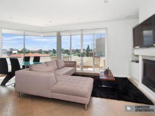 33/23 Irwell Street, St Kilda, Melbourne - Melbourne vacation rentals