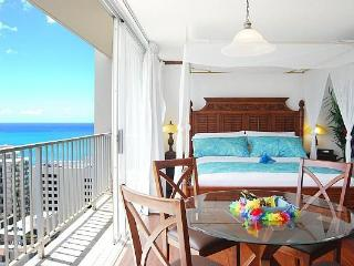 Uli Huia - Gorgeous and romantic studio in Waikiki - Honolulu vacation rentals
