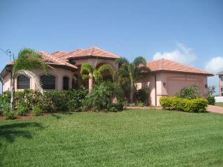 House Caribbean Island with pool and Spa nice view - Cape Coral vacation rentals
