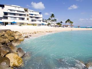 Beautiful Studios at Flamingo Beach - St Maarten - Nettle Bay vacation rentals
