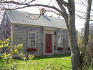 2 Bedroom 1 Bathroom Vacation Rental in Nantucket that sleeps 4 -(7344) - Image 1 - Nantucket - rentals
