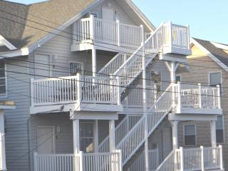 Old Town Apt - 8th St. Ocean Side - Renovated 2013 - Ocean City vacation rentals