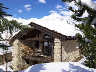 Val d'Isere Tignes charming Ski Chalet sleeps 14 - Val-d'Isère vacation rentals