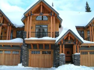 Slopeside - Selkirk Resort Homes, Kicking Horse Mountain Resort, Golden BC - Field vacation rentals
