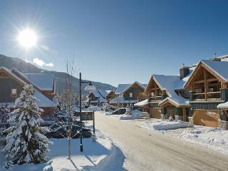 Montebello 3 BR 3.5 BA condo: private hot tub, luxurious amenities - Whistler vacation rentals