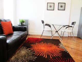 Quaint wonderful Warm Elegant Apt- Manhattan-12min - New York City vacation rentals