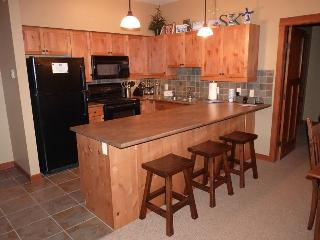 Dingemans Den - Sun Peaks vacation rentals