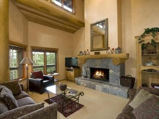 SKI-IN/SKI-OUT LUXURY HOME ON WHISTLER MOUNTAIN - Whistler vacation rentals