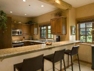 SKI-IN/SKI-OUT LUXURY HOME ON WHISTLER MOUNTAIN - Whistler vacation rentals