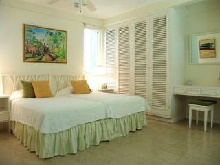 Seagrapes - Jamaica - Discovery Bay vacation rentals