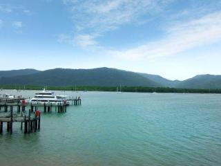 Harbour Lights Cairns - The Boutique Collection - Cairns District vacation rentals