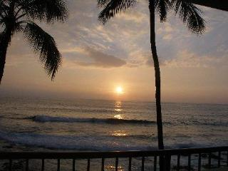 Sunsets & Surfers - Kona Reef Ocean Front Unit - Kailua-Kona vacation rentals
