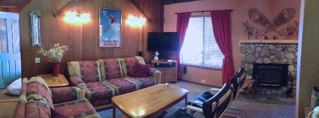 Living Room w HDTV w HDDVR and BluRay - 2 BR+ Loft Mammoth Condo from $180/n  Winter - Mammoth Lakes - rentals
