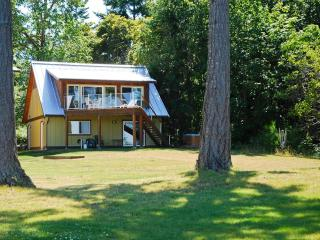 Buckley Bay Beach House, Vancouver Island, BC. - Port Alberni vacation rentals