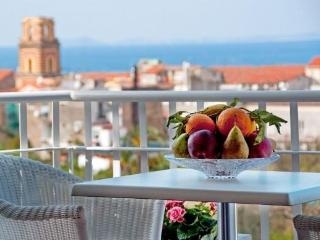 Casa Liana 2br/1b nice Apartment Sorrento center. - Sorrento vacation rentals