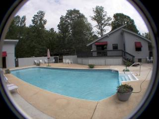 Mtn's Edge  Fireplace Private Pool tanning bed - Chattanooga vacation rentals
